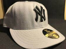 New Era 59/fifty New York Yankees Fitted Hat 7 1/8 Grey / Silver / Black