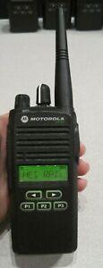 Motorola CP185 Two Way Radio UHF 435-480mhz 16 Ch 4Watt AAH03RDF8AA7AN w/battery