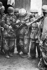 WWII Photo German Fallschirmjager & Thompson M1A1  WW2 B&W World War Two / 2223