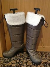 FANTASTIC KHAKI PULL ON KNEE LENGTH OFFICE BOOTS SIZE 5 WORN LIGHT SIGNS OF WEAR