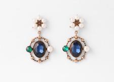 Women Earrings Sapphire crystal point earrings with satellite satin pearl light