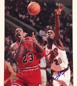 GARY PAYTON vs Michael Jordan signed Sonics 8x10 Photo ~ TriStar Holo + COA