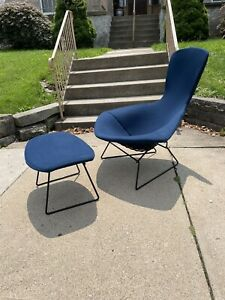 Early Vintage Harry Bertoia Bird chair knoll Black Frame
