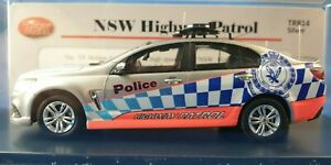 TRAX TRR14, 1:43 scale model of a Holden VF Commodore NSW HWY Patrol Police car