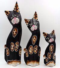 Lot de 3 statuettes famille chats et chaton en bois 23,5 cm 21,5 cm 14 cm