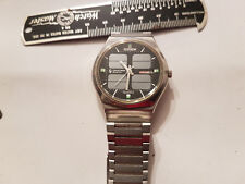 VINTAGE DECEMBER 1976 CITIZEN CRYSTRON SOLAR CELL WATCH WITH ORIGINAL BAND RUNS
