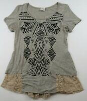 Buckle Daytrip Womens SS Scoop Neck Gray Rhinestone Tribal Blouse T Shirt Medium