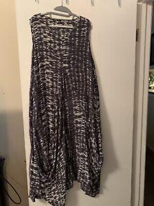 Dress To kill Jane Mohr Flowing Print Ruched Side Pockets Dress L