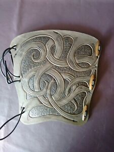 Archery arm guard, hand carved with a striking unique design. bracer,armguard