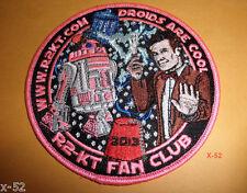 STAR WARS R2-KT droid + DOCTOR WHO pink BADGE FAN CLUB matt smith TARDIS toy