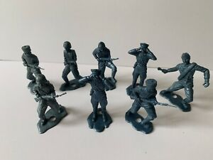 Lot 8 Vintage MPC WWII Battleground Russian Army Soldiers Blue Plastic Toy Set