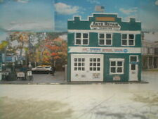 HO scale Auto Body Garage lightly weathered detailed w/lights