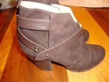 FOREVER XXI Ladies Suede Look ANKLE BOOTS / HEELS - Brown- US Sz 9     139