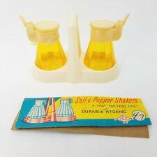Vtg Made in Hong Kong Hard Plastic Diner Syrup style Salt & Pepper Shakers Set
