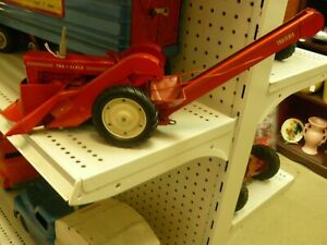 TRUE SCALE TRACTOR WITH 2 ROW CORN PICKER  VERY NICE