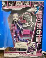 Monster High Picture Day Spectra Vondergeist Doll w/ Fearbook~Y4312