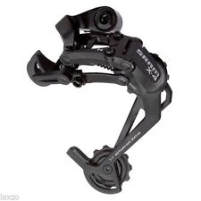 Cambios negros para bicicletas con 8 velocidades