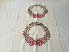 New listing Vin 00006000 Tage Tea Towel Kitchen Linens Green holly wreaths red bows Christmas decor