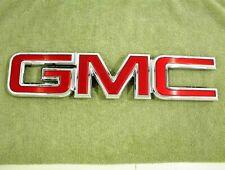 2015-2017 GMC GRILLE EMBLEM SIERRA 23122159