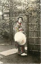 JAPAN/JAPANESE GEISHA KIMONO UMBRELLA & ORIGINAL VINTAGE HAND COLORED POSTCARD