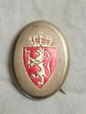 Vintage pinback button with Norwegian coat of arms