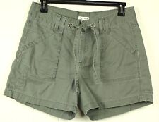 Lee Women's Size 14 M Just Below the Waist Hook and Tie Green Khaki Shorts