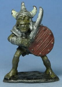 CITADEL - C15 Armoured Orcs - Orc with Sword (a) - Pre Slotta - Warhammer oop