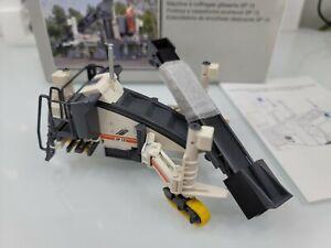 Wirtgen SP 15 Slipform Paver with Belt Conveyor - NZG 1:50 Scale Model #807 New!