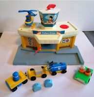 VINTAGE 1970'S FISHER PRICE AIRPORT+ BAGGAGE TRAIN+HELICOPTER+FIGURES+ MORE VGC