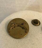 "Vintage US Millitary Infantry Pin ""Crossed Guns"""