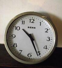 pendule mural  Horloge  pour Entreprise usine  / DEHO  / Electrique