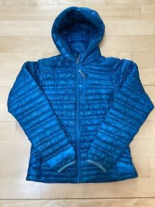 Patagonia Ultralight Down Sweater Hoody XS - Women's $249