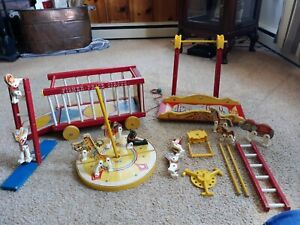 Vintage 1964 Fisher Price Circus #900 Wagon Pull Toy
