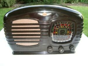 BEAUTIFUL 1946 TASMA BABY MODEL 1001 BAKELITE TUBE RADIO
