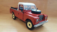 EAGLE COLLECTIBLES LAND ROVER SERIE lll 109 PICK-UP 1/18
