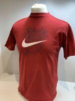 Mens Vintage Red Nike T-shirt Size XL Swoosh logo