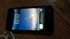 Apple iPod touch 4th Generation with camera (32GB) good Condition