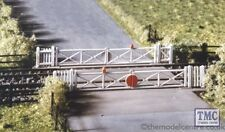 234 Ratio Level crossing with Gates N Gauge Plastic Kit