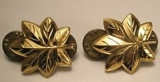 Leaf Us Army military insignia badge pin gift