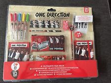 One Direction Crayons Gomme Regle Cahier Taille Trousse Pack  Écriture Cadeau