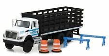 Greenlight 1/64 NYPD New York City Police International State Bed Truck w/ Accys