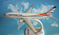 Herpa Wings 1:200 SNAP FIT Boeing 737-800 Smartwings OK-TVV  610780
