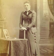 CABINET CARD PHOTO: Dour YOUNG WOMAN by TABLE w BOOKS & Framed MOURNING Picture
