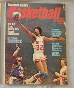 1974-75 Street & Smith's Basketball Yearbook DR J Julius Erving