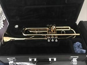 Yamaha Bb Trumpet YTR2330 Including Hard Shell Carrying Case