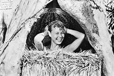 Mitzi Gaynor As Ensign Nellie Forbush Usn In South Pacific 11x17 Mini Poster