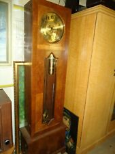 alte große Standuhr mit Gewichten