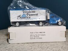 ERTL 1937 Ford tractor trailer Telephone Pioneers of America bank bell system