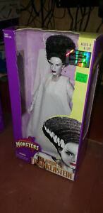 The Bride Of Frankenstein  Signature Series 1998 Universal Studio Monsters