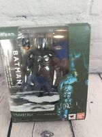 Bandai S.H.Figuarts Batman INJUSTICE Gods Among Us.Action Figure